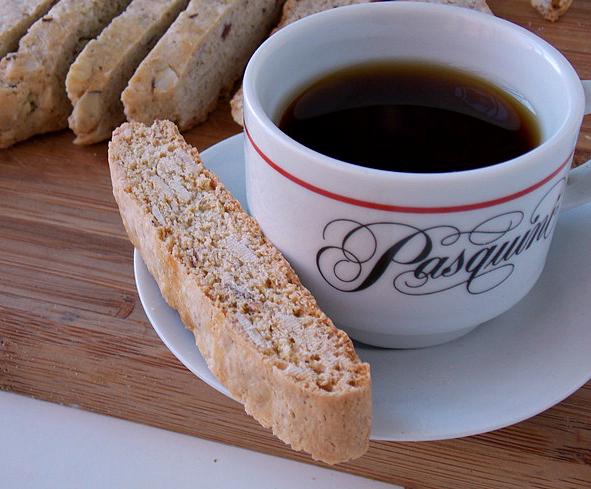 Photo 1-Cozy-Coffeehouse_CleoCoyle
